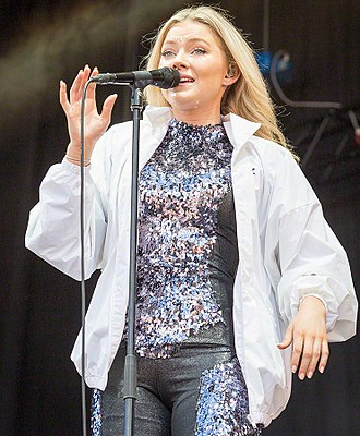 2016 in Norwegian music - Astrid S at Stavernfestivalen.