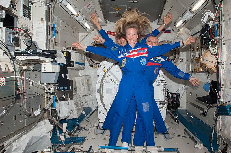 File:Astronaut Karen Nyberg With Cosmonaut Fyodor Yurchikhin and Astronaut Luca Parmitano.jpg