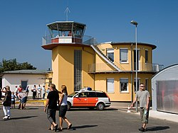 August-Euler-Flugplatz-Tower.jpg