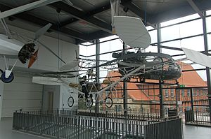 Bückeburg Hubschraubermuseum 2011-by-RaBoe-02.jpg
