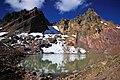 BROKEN TOP AND ALPINE LAKE DESCHUTES (25012112922).jpg