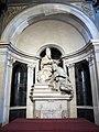 Baccio bandinelli e giovan battista caccini, Clemente VII che incorona Carlo V.JPG