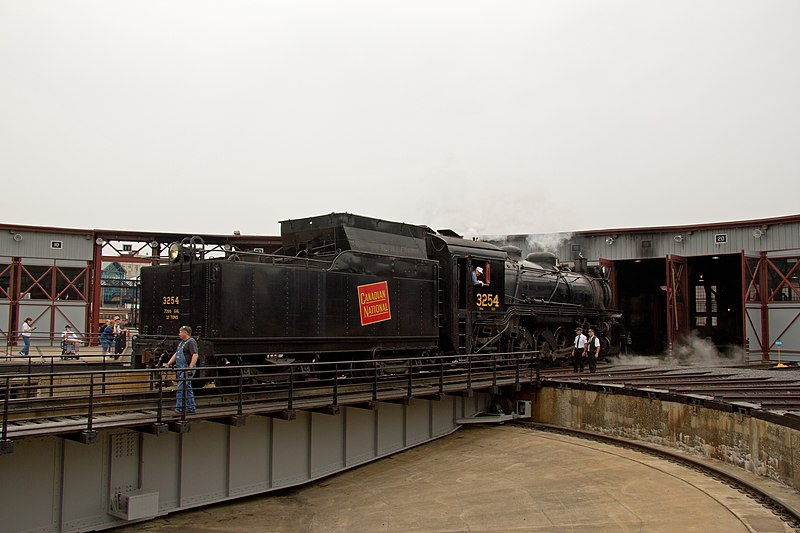 File:Backing Onto the Turntable (6118323136).jpg