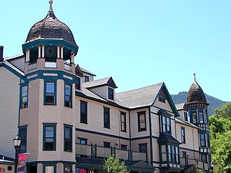 Barker House (Manitou Springs, Colorado) - Barker House, also known as The Navajo Apartment Hotel