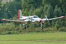 Beechcraft Twin Bonanza - Wikipedia