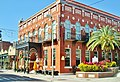 Bel édifice agréable à voir, Ybor City, Tampa, Florida, Very nice building on East 7th Ave. - panoramio.jpg