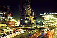 Berlin Kaiser-Wilhelm-Gedächtniskirche 02-1979 abends.jpg