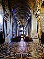 Besancon Cathédrale St. Jean Innen Langhaus Ost 1.jpg