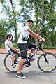 Bicis, rollers y skate en Palermo (8392551890).jpg