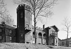Bowman's Castle.jpg