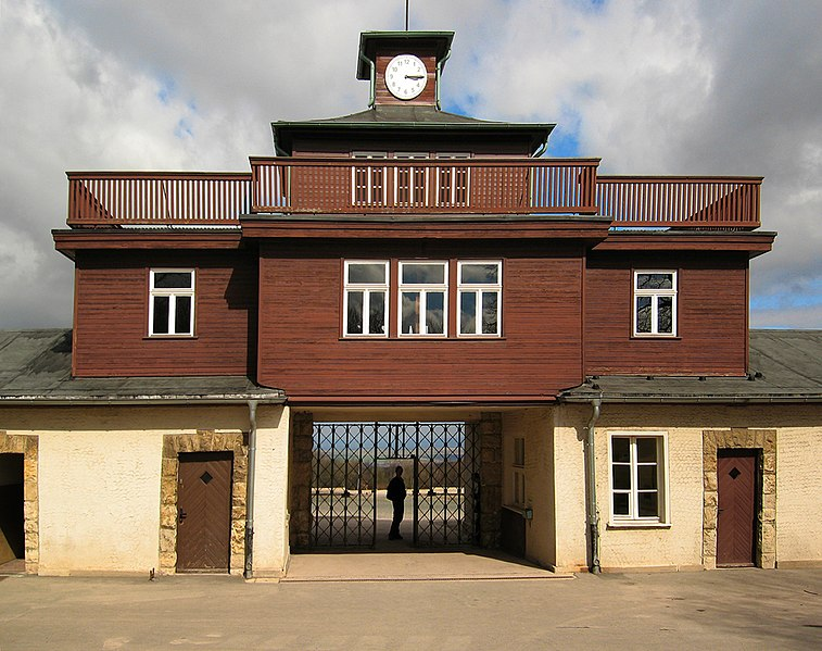 Soubor:Buchenwald--KZ-Tor.jpg