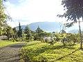 Bukit dibalik Danau Batur.jpg