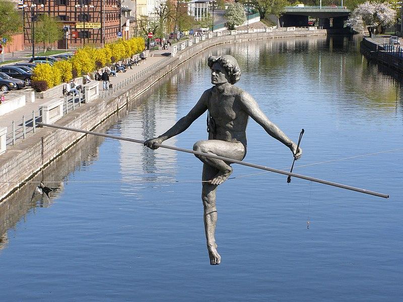 17 oszałamiających rzeźb od których ciężko oderwać wzrok. Wiele z nich łamie prawo grawitacji!