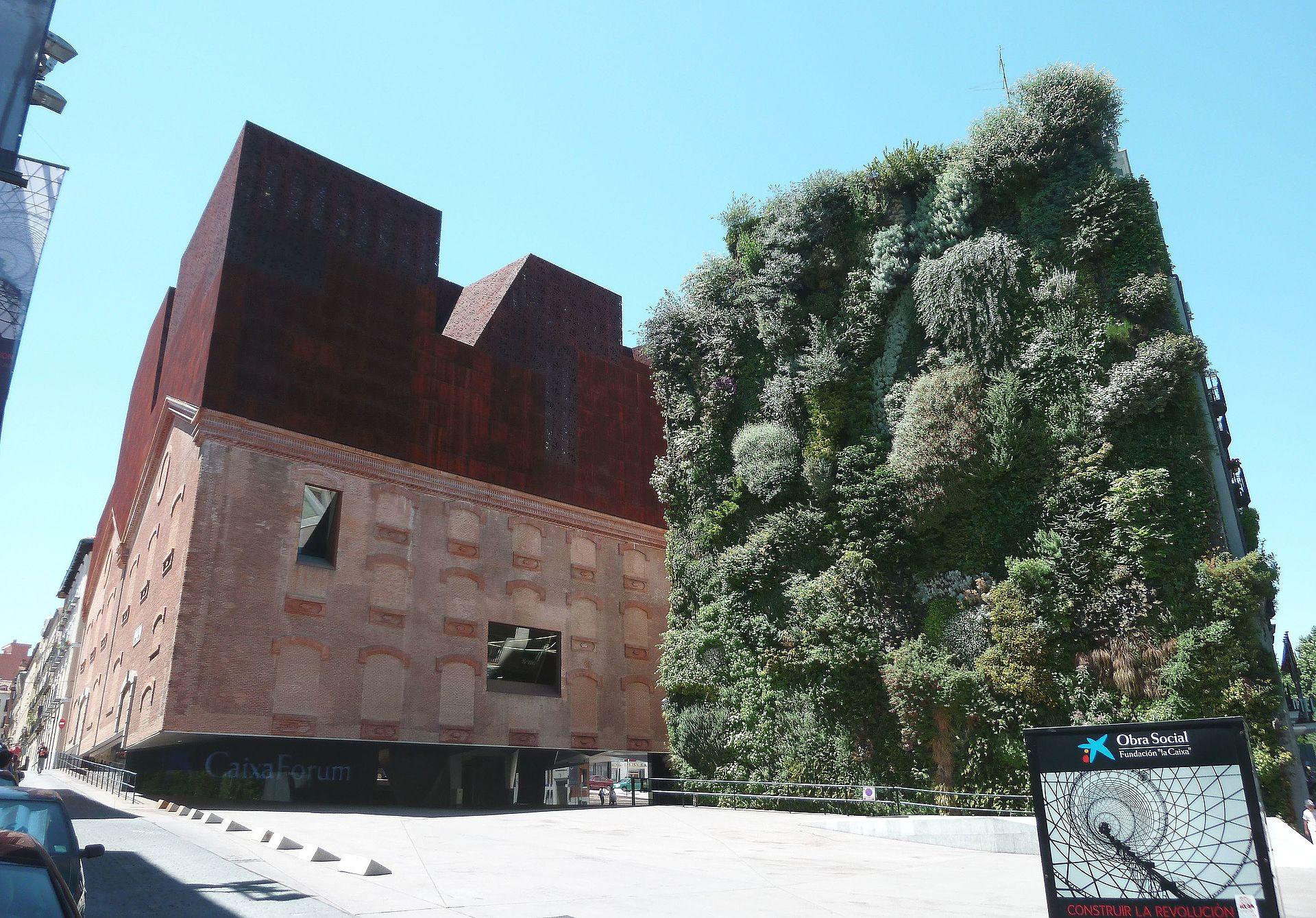 1920px-CaixaForum_Madrid_(Espa%C3%B1a)_0
