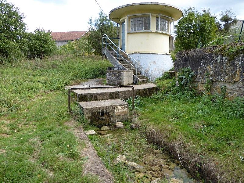 Station de captage d'eau et source de Bicqueley.