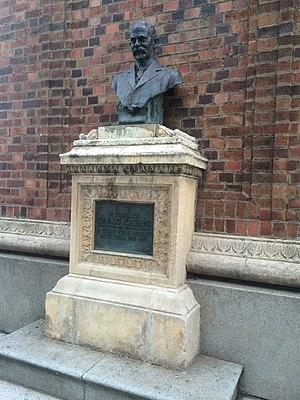 Carlo Catani - Memorial statue and plaque of Carlo Catani, St. Kilda, Victoria