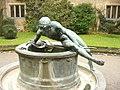 Cecilienhof - Skulptur - geo.hlipp.de - 30126.jpg