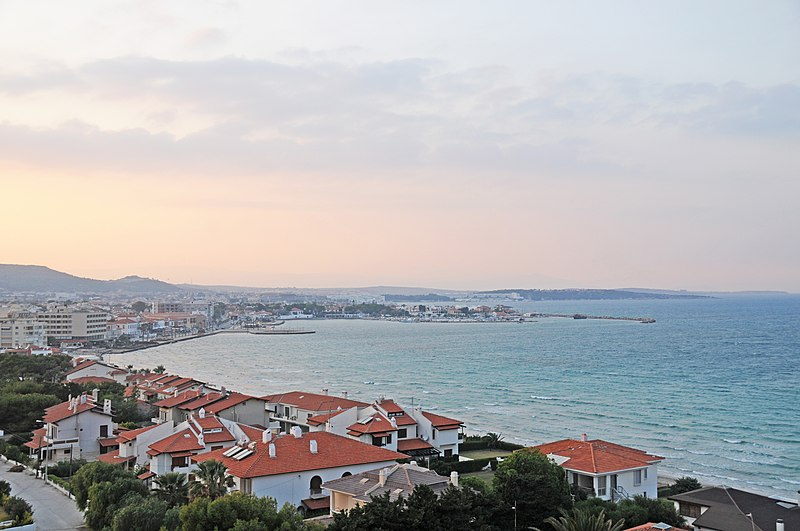File:Cesme Turkey from Sheraton - panoramio.jpg