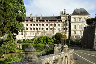 Blois - Château de Blois (view from the west)