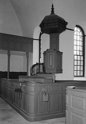 Christ Church (Lancaster County, Virginia) - Image: Christ church lancaster pulpit photo