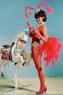 In un'immagine promozionale del film L'affare Blindfold, 1965