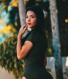 Claudia alende instagram photos