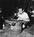 Collectie NMvWereldculturen, TM-20001969, Negatief, 'Zilversmid aan het werk bij het bedrijf MD Silver', fotograaf Boy Lawson, 1971.jpg