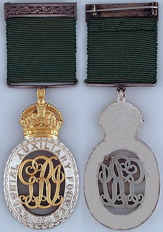 Colonial Auxiliary Forces Officers' Decoration - First King George V version, 32 mm ribbon
