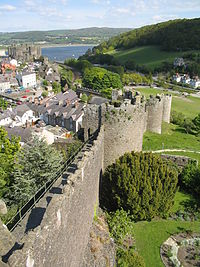 Conwy walled town 3.jpg