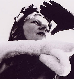 Cornelia Schleime - Cornelia Schleime, self-portrait as a pilot, 2001