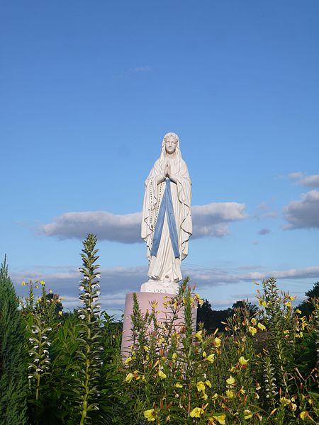 La vierge de Lourdes, route de Craon (1983).