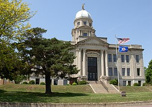 Das Jackson County Courthouse in Jackson, gelistet im NRHP Nr. 77000747[1]