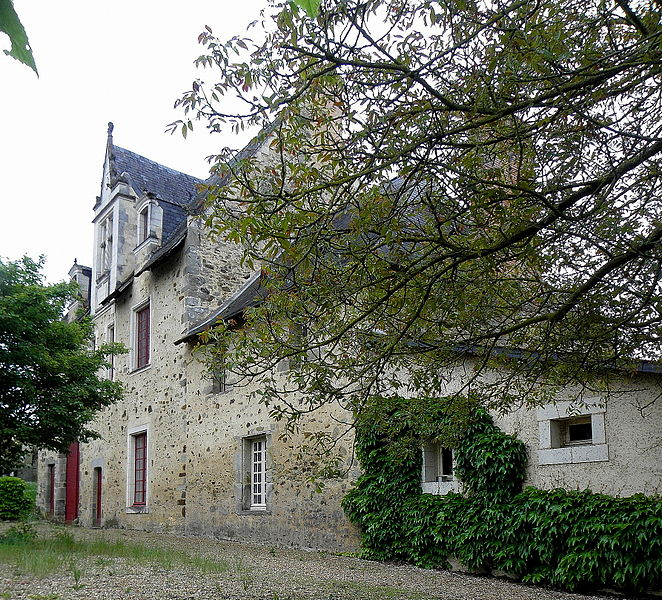 Prieuré bénédictin Saint-Clément de Craon (53). Logis du Portail..