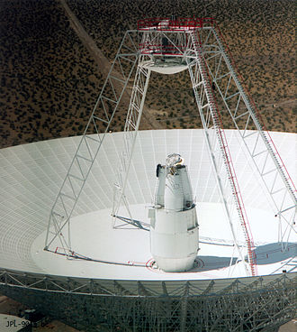 Cassegrain antenna - Cassegrain spacecraft communication antenna in Canberra, Australia, part of NASA's Deep Space Network.  The advantage of the Cassegrain design is that the heavy complicated feed structure (bottom) doesn't have to be suspended over the dish.