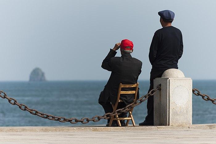 Dalian Liaoning China Two-Chinese-at-Xinghai-Bay-01.jpg