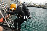 Deep Blue exercise trains master divers 131001-A-KH515-487.jpg