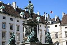 Denkmal auf dem Platz In der Burg (Hofburg) in Wien (Quelle: Wikimedia)