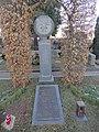 Deusters Grabstätte auf dem Friedhof in Bad Neuenahr.jpg