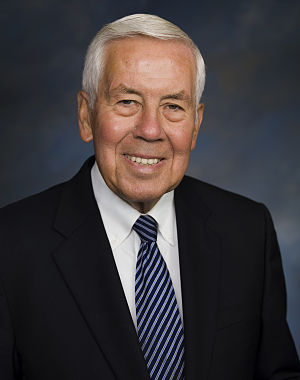 English: Official photo of Senator Dick Lugar ...