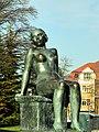 Die 'Sitzende' von Hermann Hubacher - Seefeldquai 2012-03-20 16-32-20 (P7000).JPG