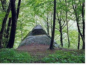 Dolmens of North Caucasus - Dolmen pyramid in Mamed Canyon