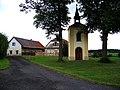 Dolní Jelení, kaple a stavení čp. 11.jpg