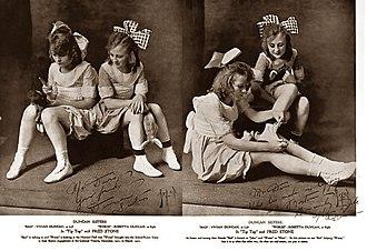 Duncan Sisters - L-R Vivian and Rosetta Duncan c. 1912