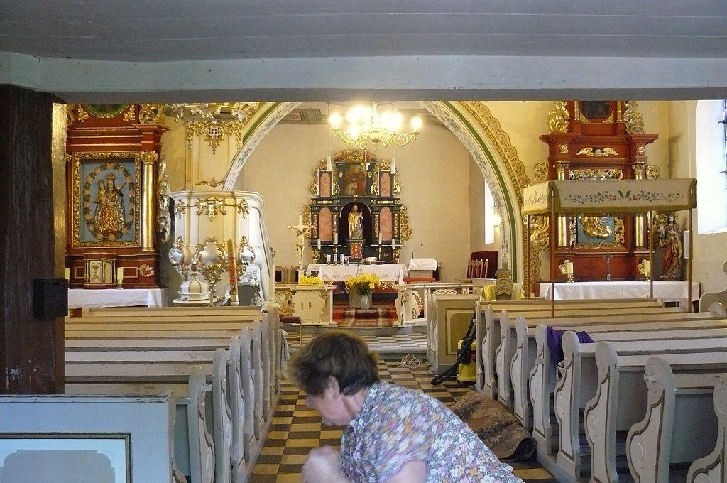 1024px-Dzierzazno%2C_church_%284%29.JPG