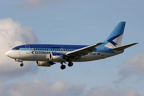 ES-ABD B737-5Q8 Estonian FRA 04OCT08 (3170437399).jpg