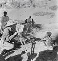 ETH-BIB-Abessinischer Knabe wird fotografiert-Abessinienflug 1934-LBS MH02-22-0311.tif