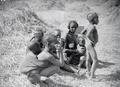 ETH-BIB-Tuareg Familie-Tschadseeflug 1930-31-LBS MH02-08-0566.tif