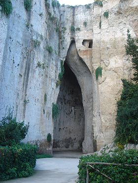Ear of Dionysius Siracuse.JPG