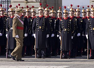 Spanish Royal Guard - King Juan Carlos I inspects the Royal Guard during the 2009 Pascua Militar.