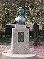Emanuel Swedenborg (1688-1772), bronsbyst (1973), Mariatorget, 2019a.jpg